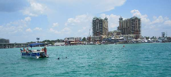 Pic of the Emerald Grande at Harborwalk Village on Harbor Blvd (US Highway 98) in Destin, FLA.