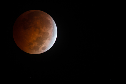 © Kevinncandi | Dreamstime.com - Stunning Oct. 8th 2014 Bloodmoon Lunar Eclipse Photo