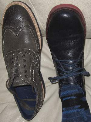 Here's the Cole Haan men's shoes which I wore the most in the year 2014, including a Cole Haan chukka in navy blue, and a olive green Cole Haan wingtip oxford of goat and calf skin.