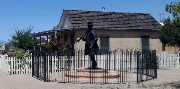 Pic of the statue of Tombstone Sheriff Wyatt Earp on Fremont Street in Tombstone, Arizona.